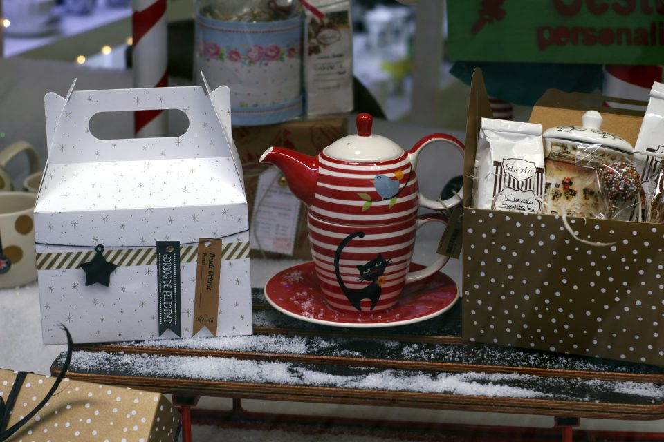 Cestas de picnic para rellenar con los tés que tu elijas.